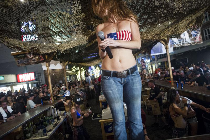 Hogs & Heifers Saloon_Las Vegas_Bartenders_0143