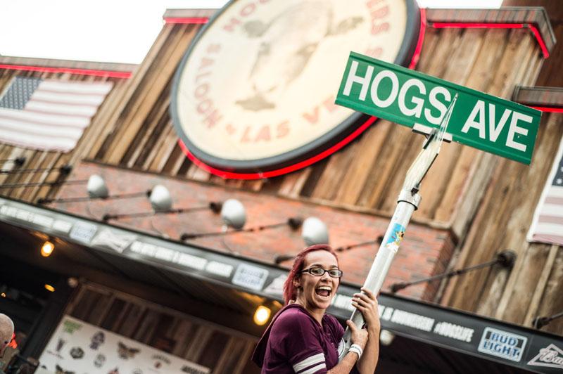 Hogs & Heifers Saloon_Las Vegas_Bartenders_0215