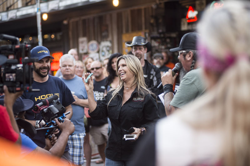 Babes_in_the_Alley_Hogs_and_Heifers_Sturgis_2018_0025