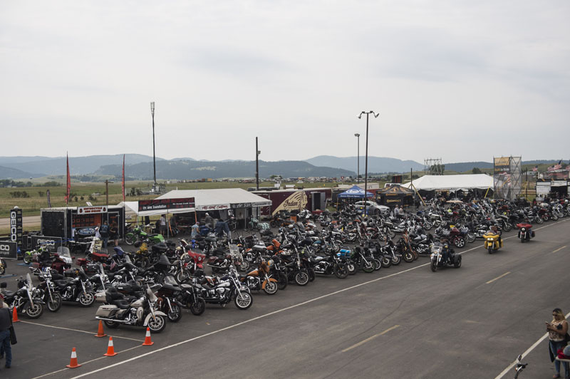 Indian_Motorcycle_Hogs_and_Heifers_Sturgis_2018_0006