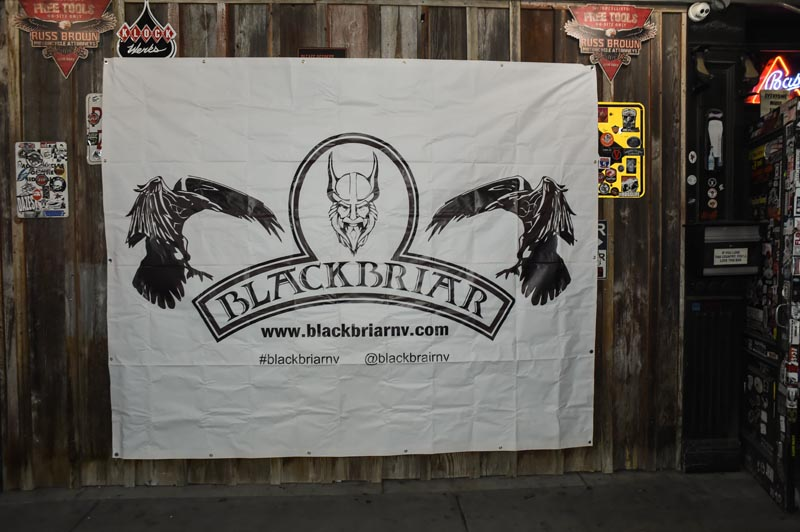 Hogs & Heifers Saloon_Black Briar_001