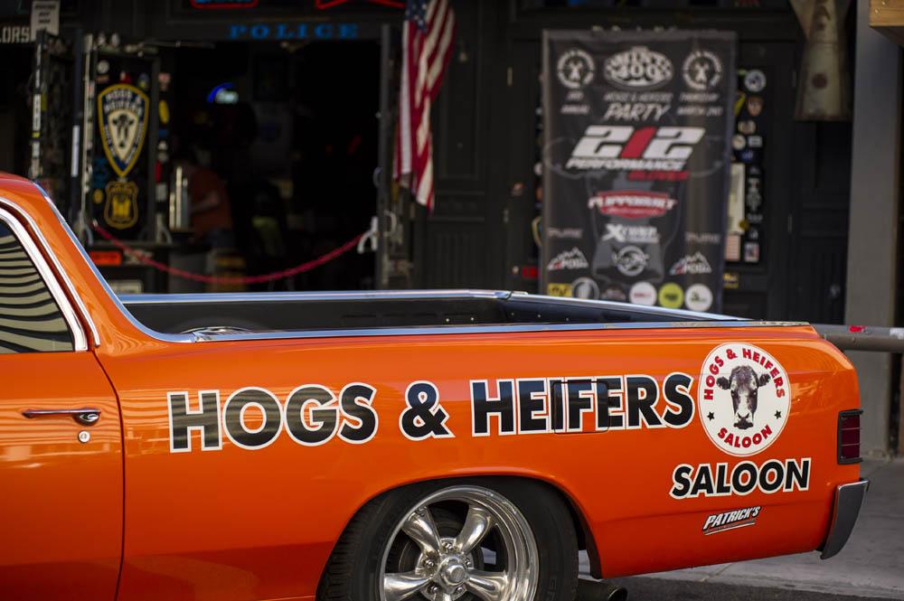 Hogs & Heifers_MINT 400_690403