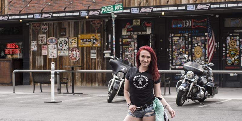 Hogs & Heifers Saloon Las Vegas_Bartender_690804
