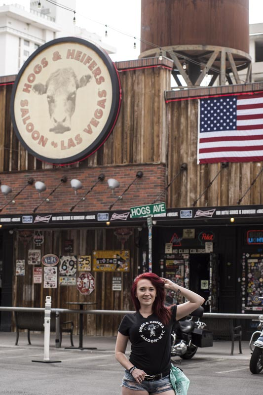 Hogs & Heifers Saloon Las Vegas_Bartender_690809