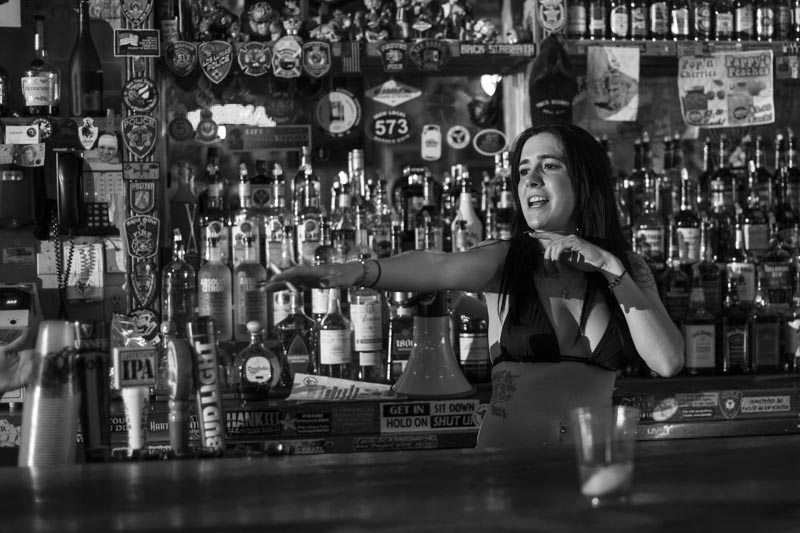 Hogs & Heifers Saloon Las Vegas_Bartenders_000222