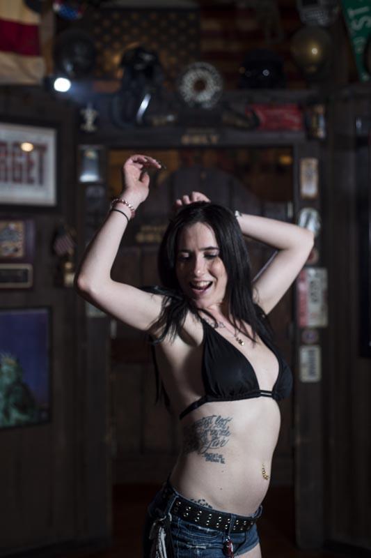 Hogs & Heifers Saloon Las Vegas_Bartenders_000250