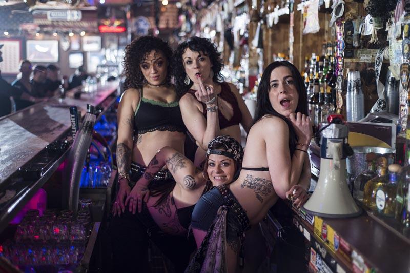 Hogs & Heifers Saloon Las Vegas_Bartenders_000256