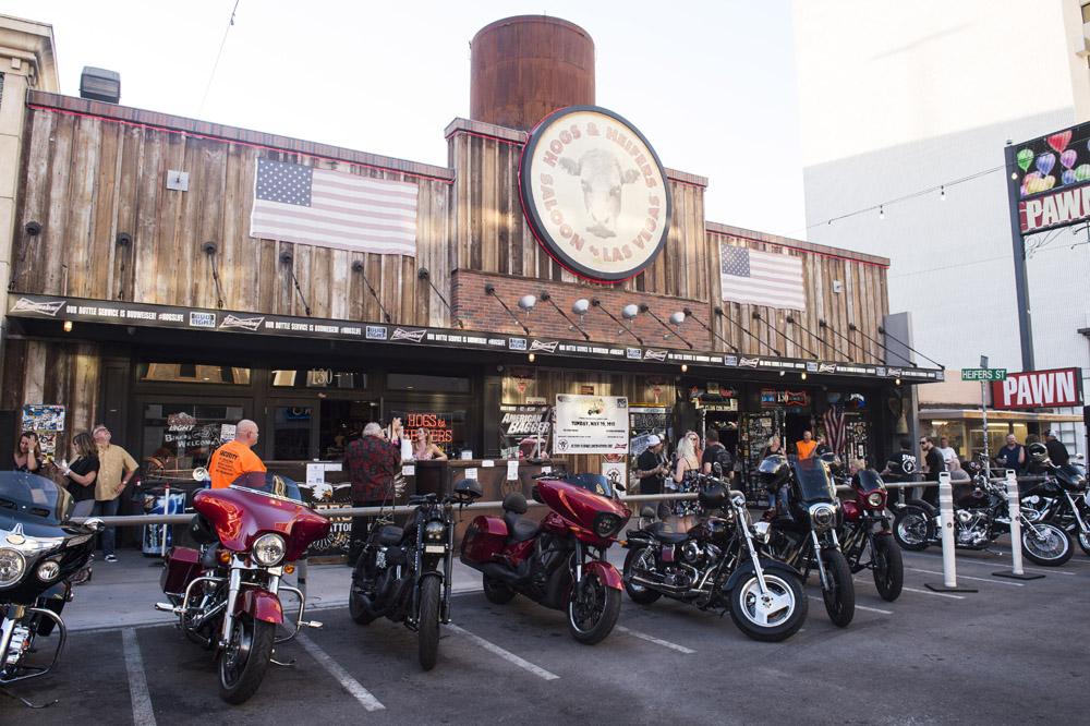 Hogs & Heifers Saloon Las Vegas_Motorcycle Rally_000339