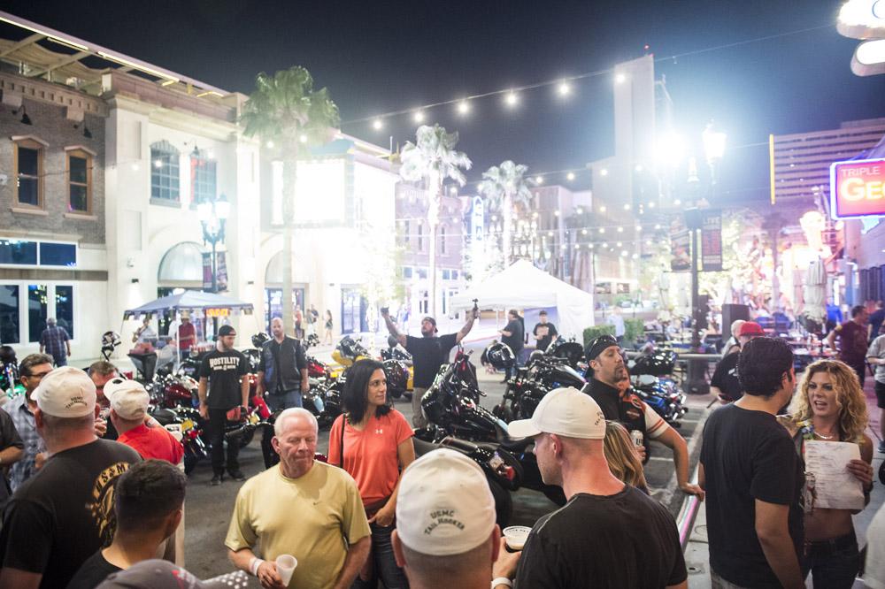 Hogs & Heifers Saloon Las Vegas_Motorcycle Rally_000361