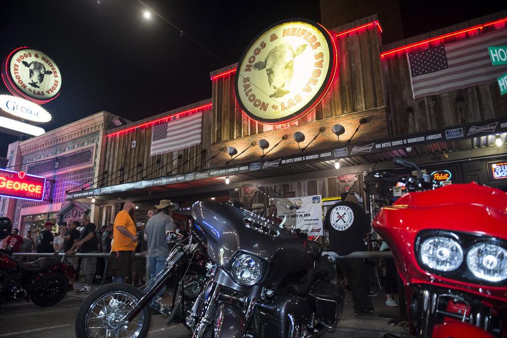 Hogs & Heifers Saloon Las Vegas_Motorcycle Rally_000367