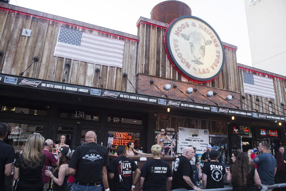 Hogs & Heifers Saloon Las Vegas_Motorcycle Rally_000412