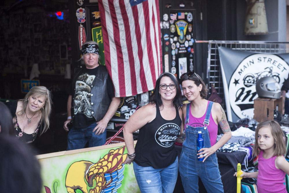 Hogs & Heifers Saloon Las Vegas_Motorcycle Rally_000413