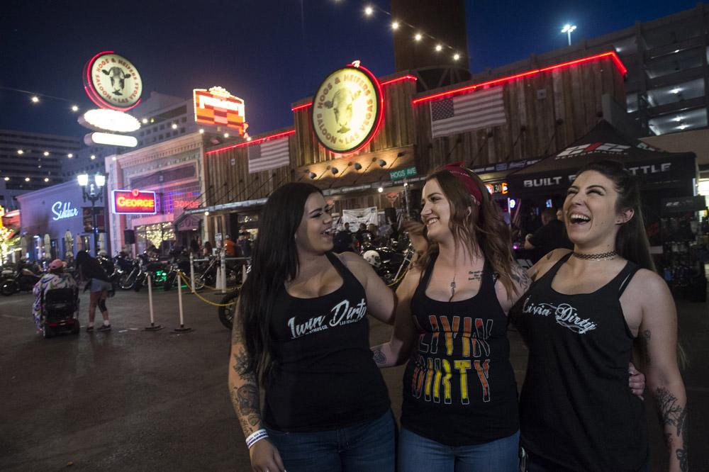 Hogs & Heifers Saloon Las Vegas_Motorcycle Rally_000434