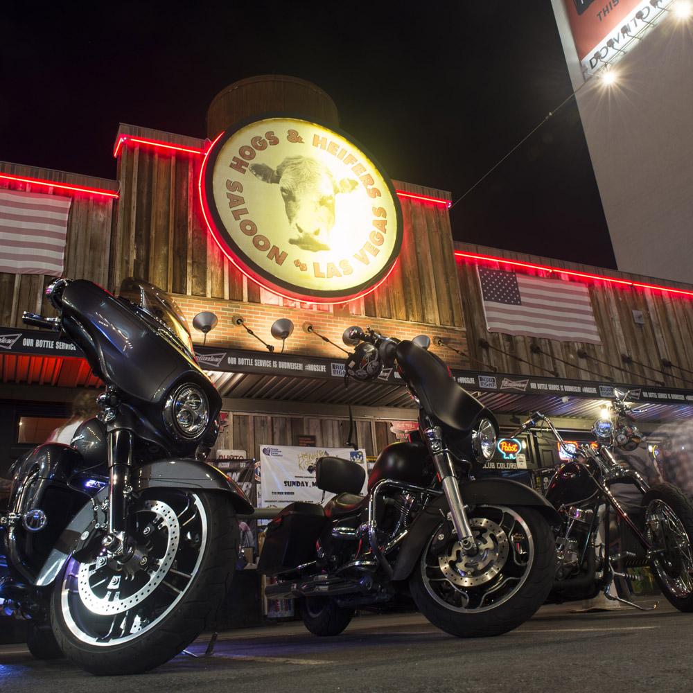 Hogs & Heifers Saloon Las Vegas_Motorcycle Rally_000440