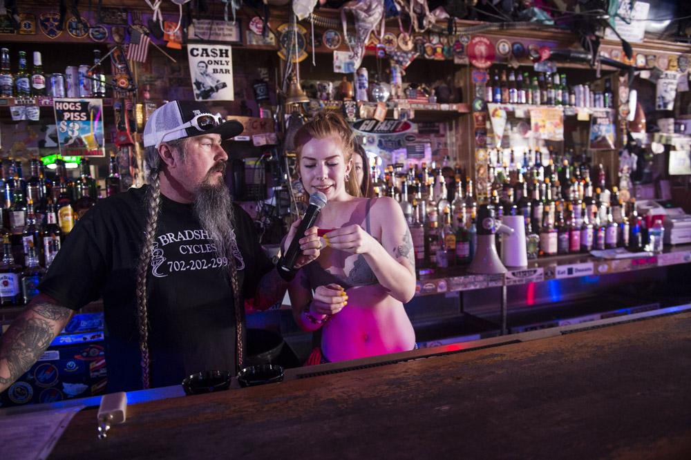Hogs & Heifers Saloon Las Vegas_Motorcycle Rally_000467