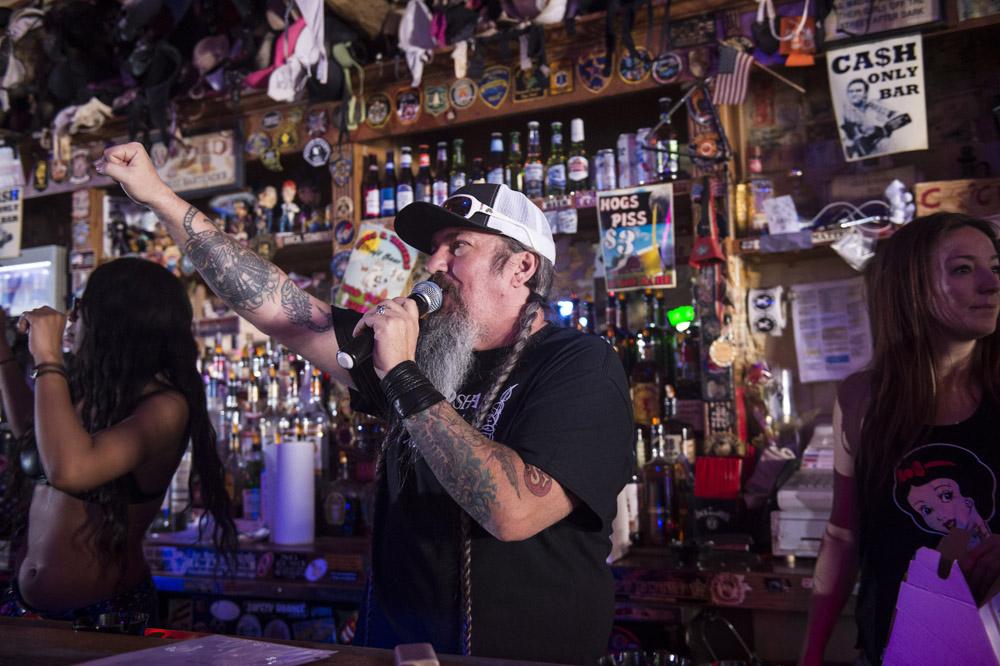 Hogs & Heifers Saloon Las Vegas_Motorcycle Rally_000469