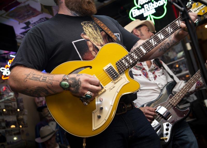 Hogs & Heifers Saloon Las Vegas_Motorcycle Rally_000520