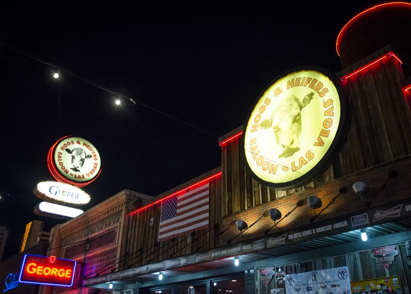 Hogs & Heifers Saloon Las Vegas_Motorcycle Rally_000535