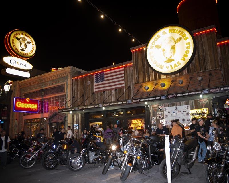 Hogs & Heifers Saloon Las Vegas_Motorcycle Rally_000551