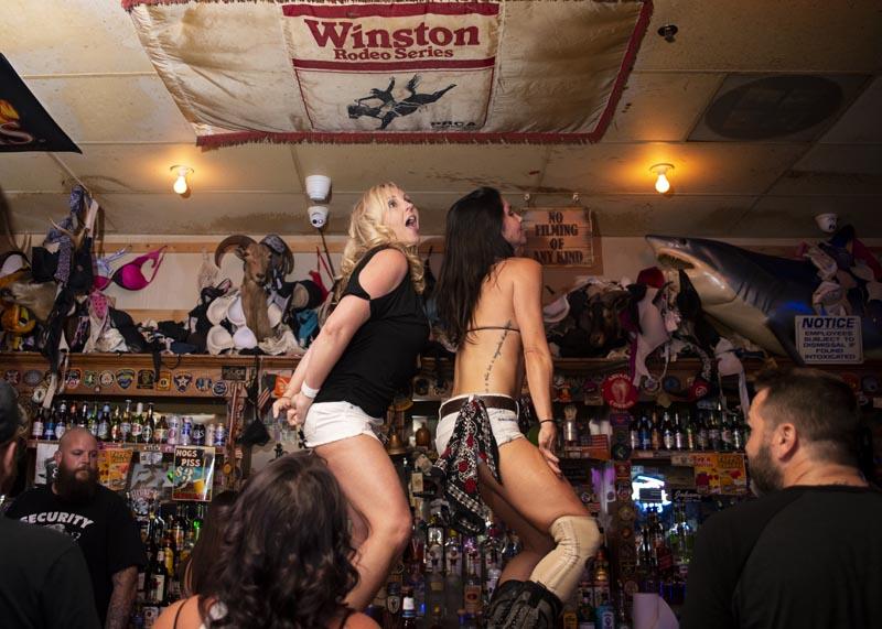 Hogs & Heifers Saloon Las Vegas_Motorcycle Rally_000570