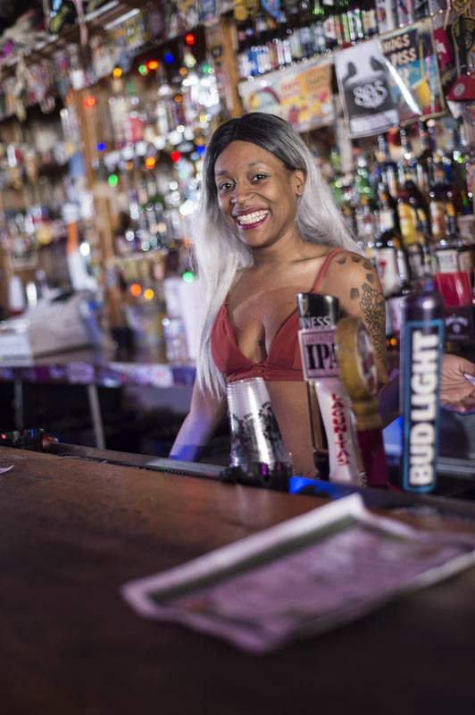 Hogs & Heifers Saloon Bartenders_000837