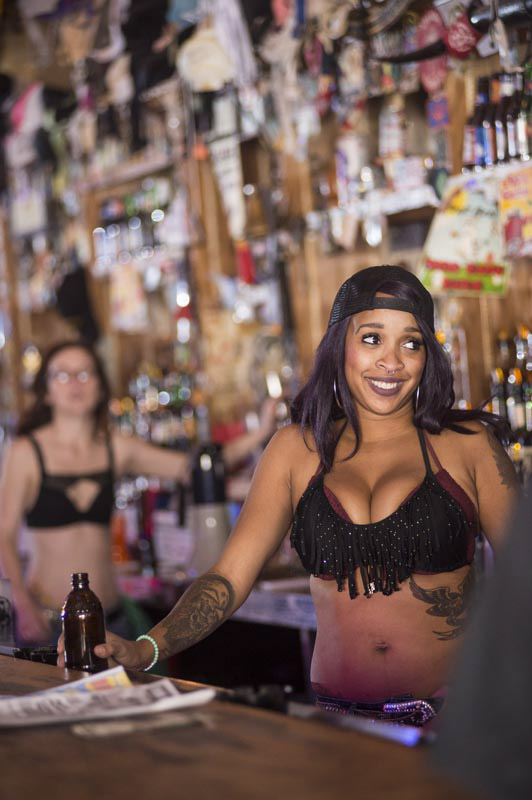 Hogs & Heifers Saloon Bartenders_000855