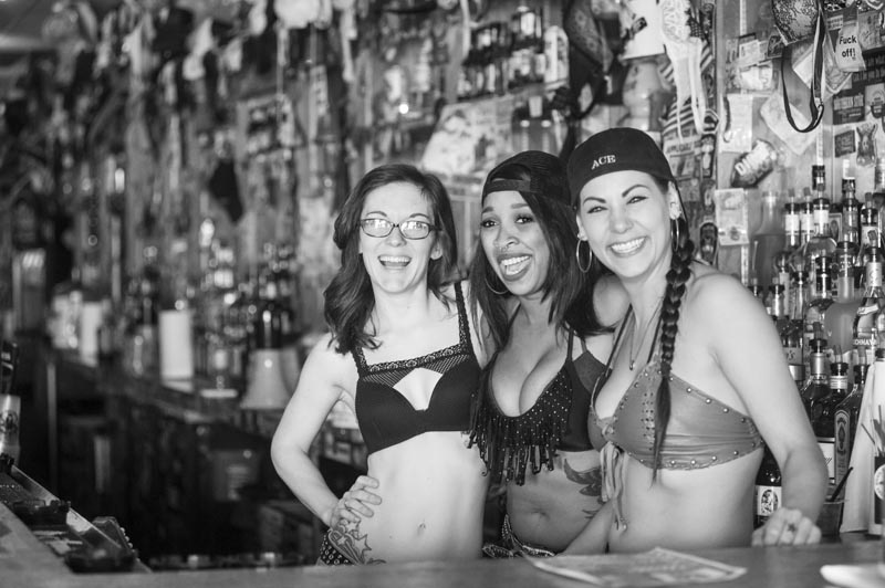 Hogs & Heifers Saloon Bartenders_000858