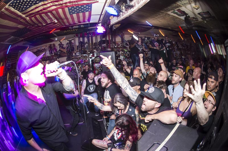 Hogs & Heifers Saloon Punk Rock Bowling_001252