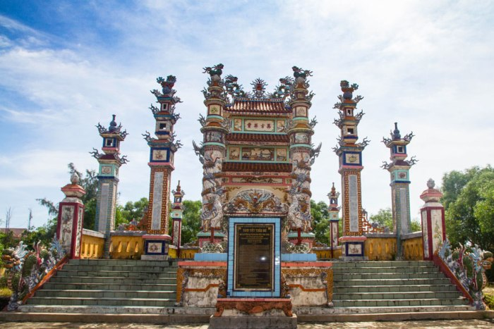 Hue to Hoian by Private Car New Experience