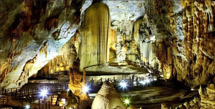Paradise Cave, Phong Nha, Dong Hoi