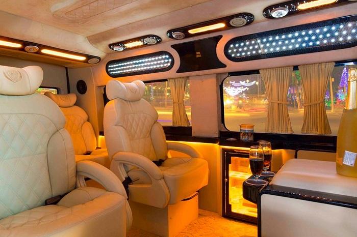 Luxury Limousine Car Transfer to Sapa