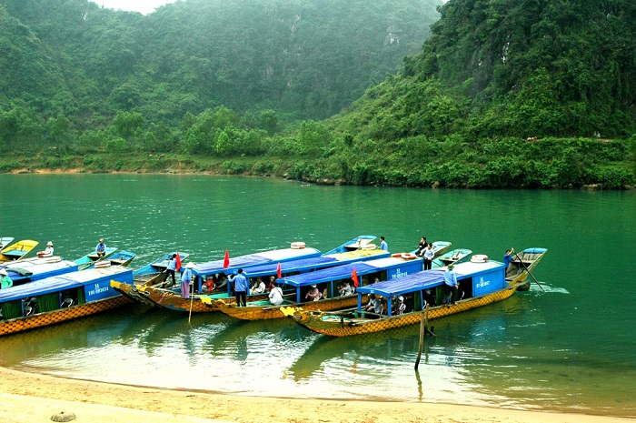 Luxury car Hoian to Phong Nha