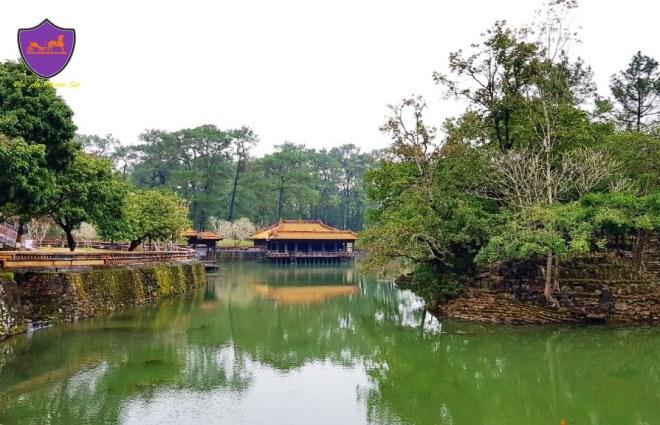 Hue Royal Tombs Tour- Hoi An Private Car