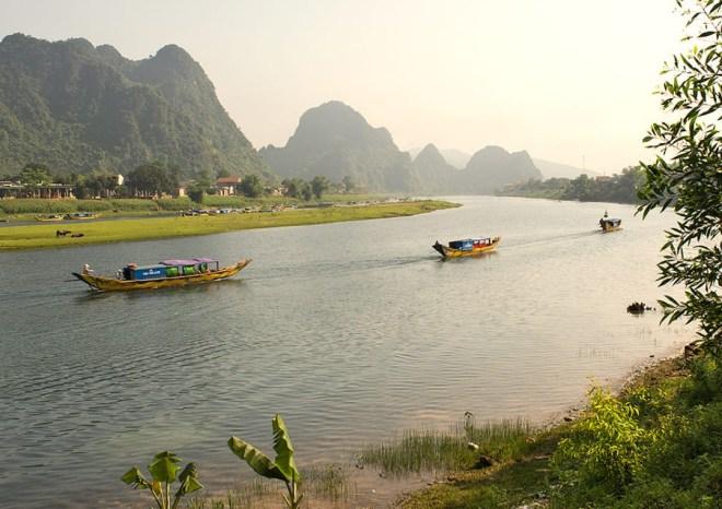 Hue-To-Phong-Nha-By-Private-Car-Transfer-Hoi-An-Private-Car-Travel
