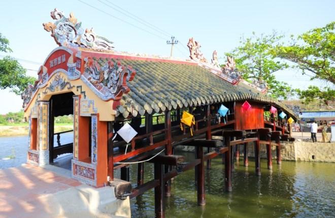 Hue-Handicraft-Village-Tour-Hoi-An-Private-Car