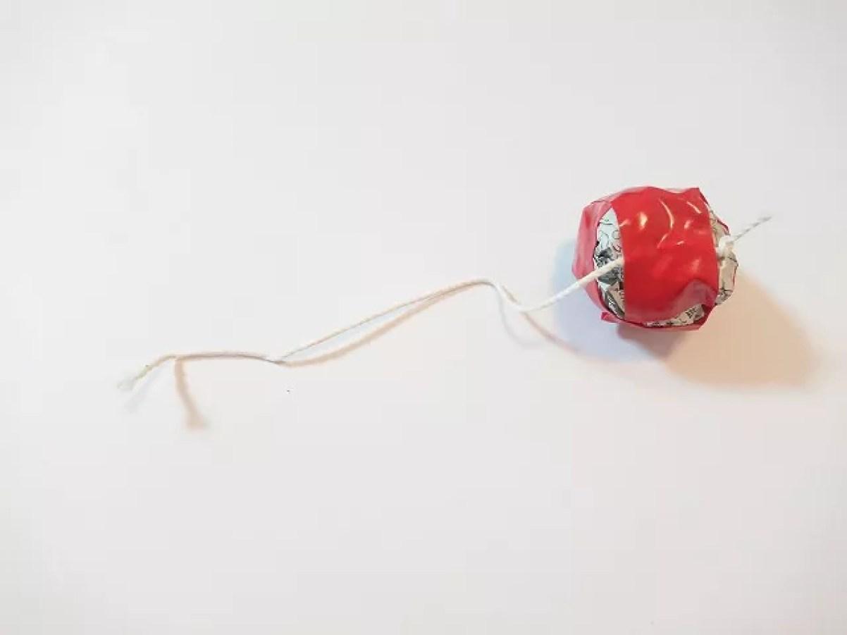 たこ糸を貼り付ける