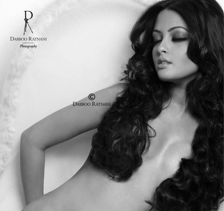 Top 15 Bollywood Actress Topless for The Photo Shoot of Dabboo ratnani calendar 132