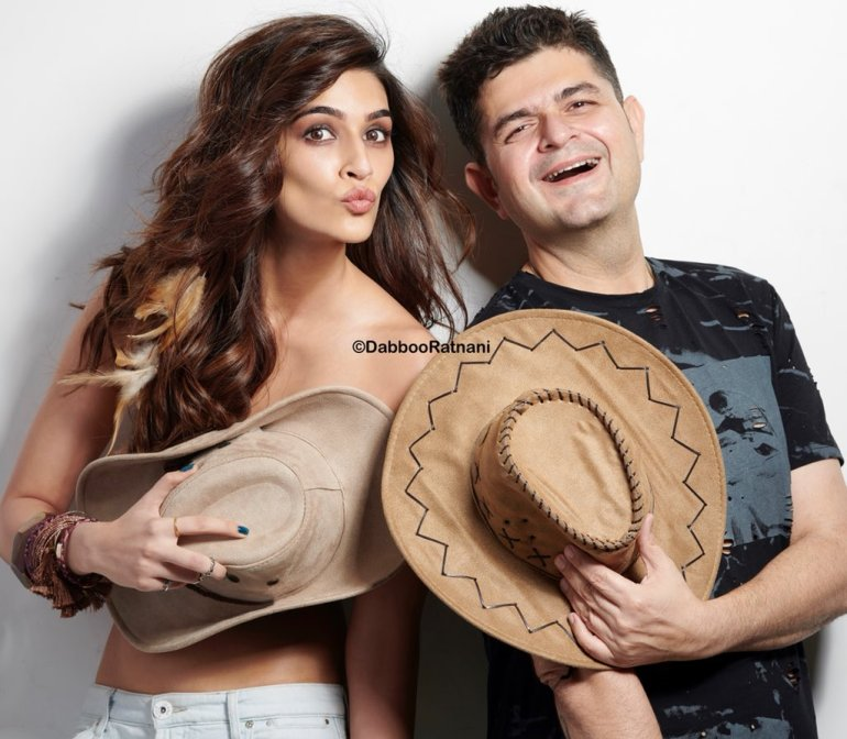 Top 15 Bollywood Actress Topless for The Photo Shoot of Dabboo ratnani calendar 140