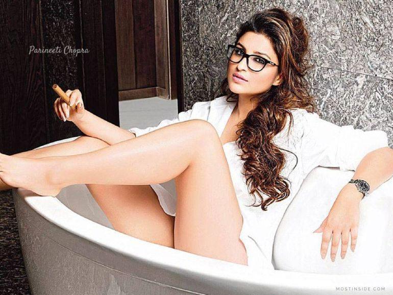 Top 15 Bollywood Actress Topless for The Photo Shoot of Dabboo ratnani calendar 123