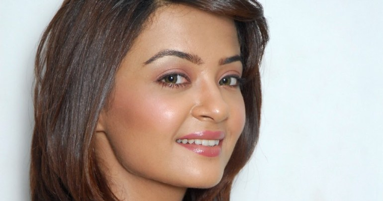 Surveen Chawla Wiki, Age, Biography, Movies, and Stunning Photos 104