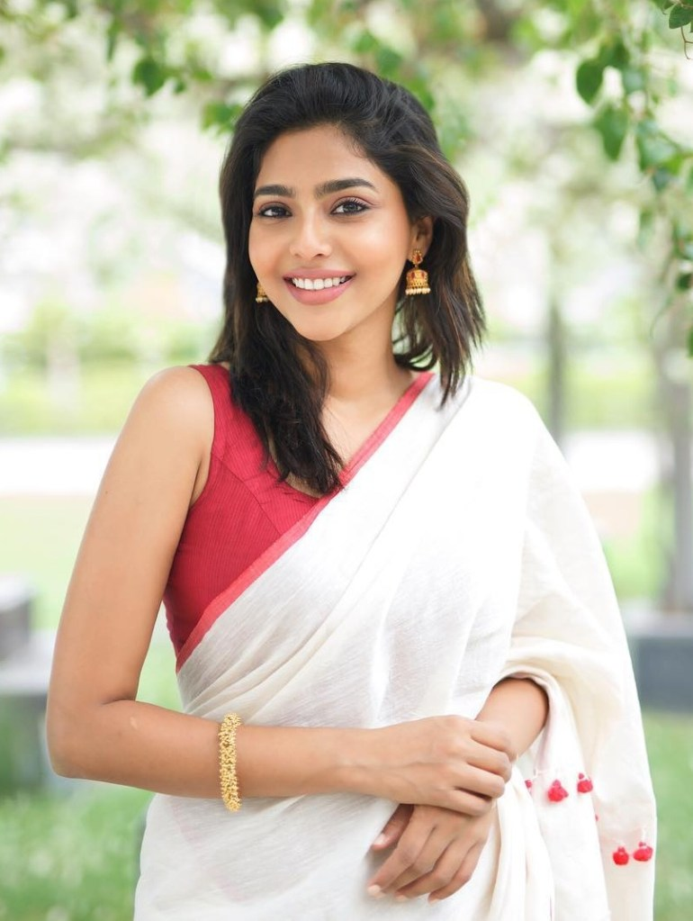 Aishwarya Lekshmi Wiki, Biography, Age, Boyfriend, and Beautiful Photos 156