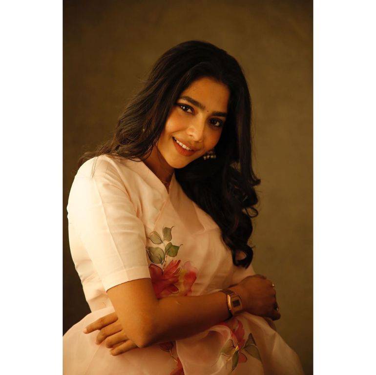 Aishwarya Lekshmi Wiki, Biography, Age, Boyfriend, and Beautiful Photos 161