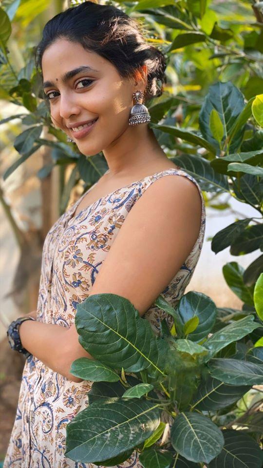Aishwarya Lekshmi Wiki, Biography, Age, Boyfriend, and Beautiful Photos 147