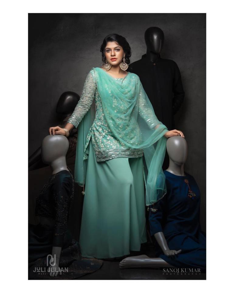 Aparna Balamurali Wiki, Biography, Age, Boyfriend, and Beautiful Photos 112
