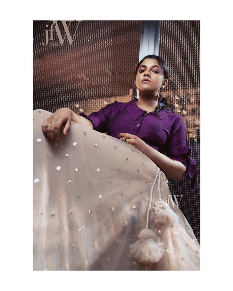 Aparna Balamurali Wiki, Biography, Age, Boyfriend, and Beautiful Photos 114
