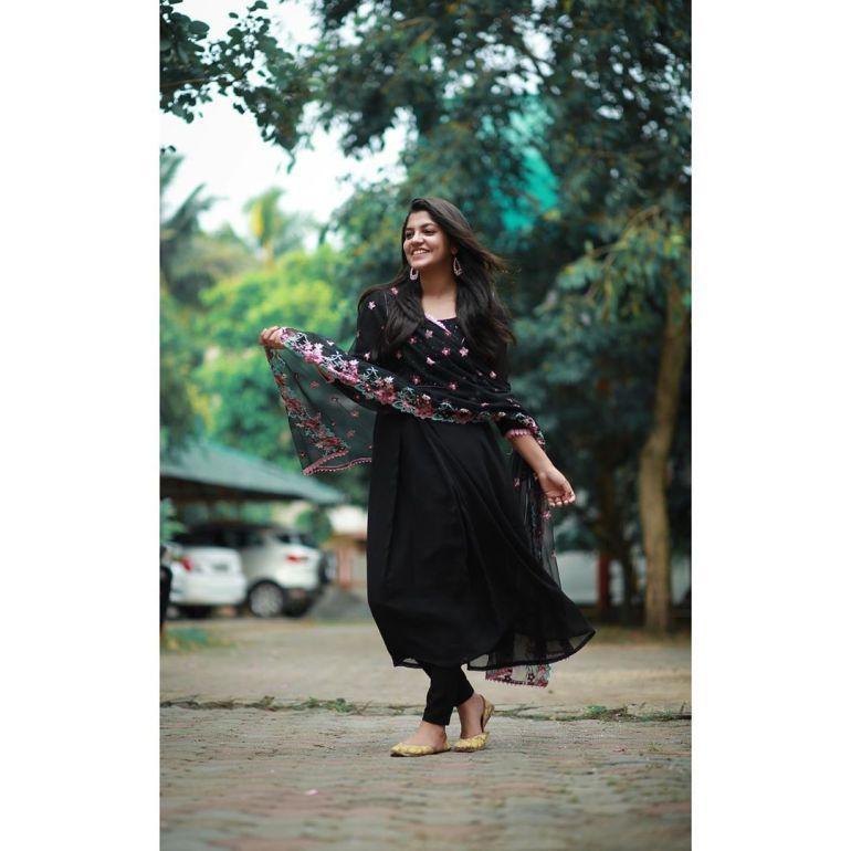 Aparna Balamurali Wiki, Biography, Age, Boyfriend, and Beautiful Photos 120