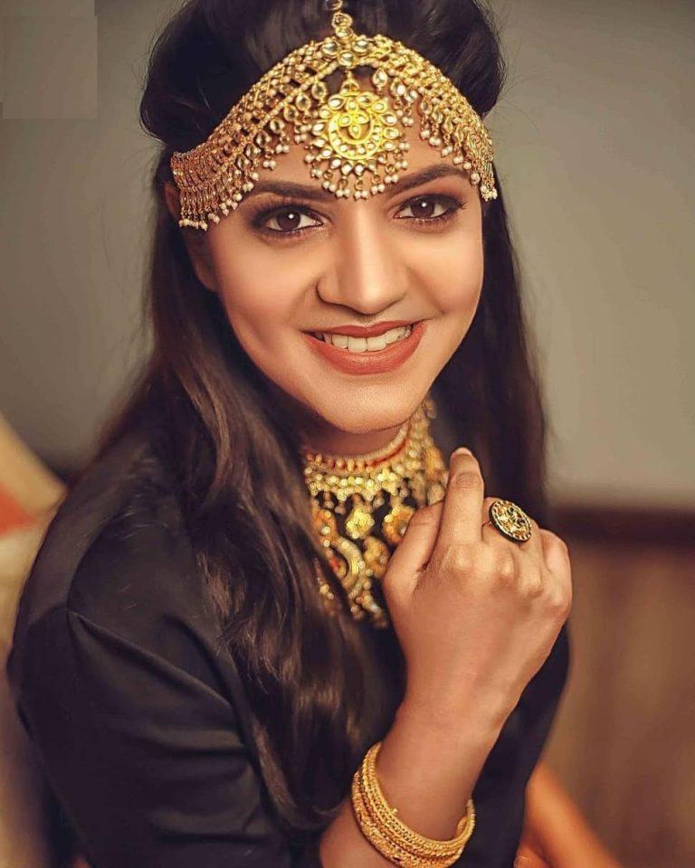 Aparna Balamurali Wiki, Biography, Age, Boyfriend, and Beautiful Photos 141