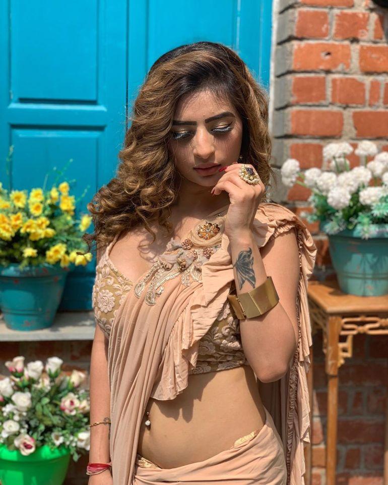 Ankita dave Wiki, Age, Biography, Movies, and Glamorous Photos 118