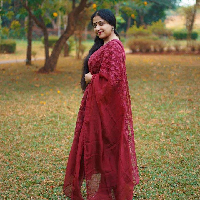 Anu SitharaWiki, Age, Biography, Movies, and Beautiful Photos 121