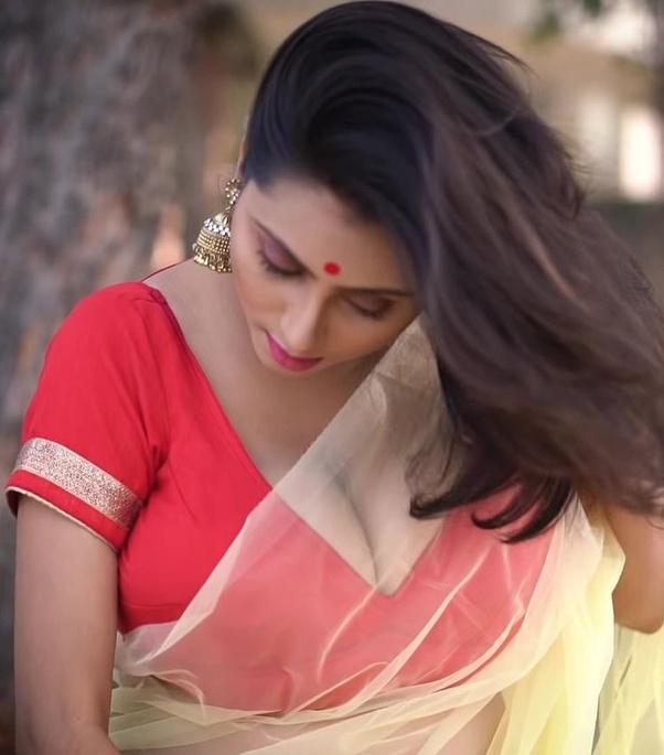 Bengali Model Priya Chakraborty Wiki, Age, Biography, Movies, and Beautiful Photos 109